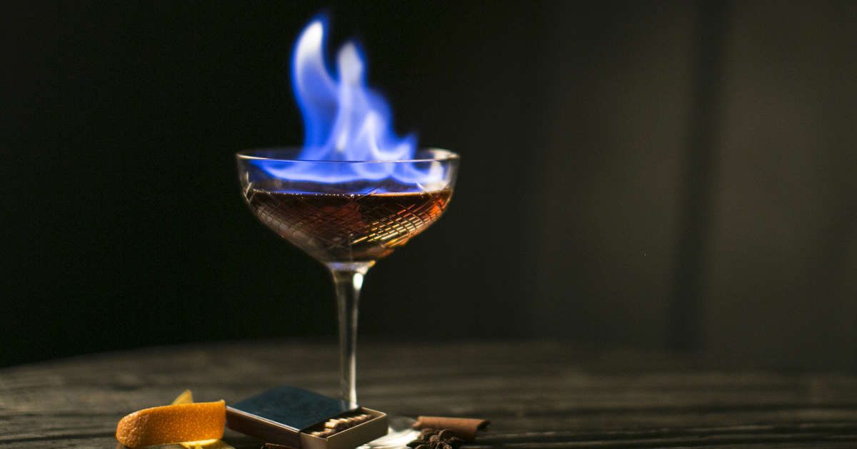 Best Flaming Drinks: 8 Best Recipes for Flaming Cocktails ...