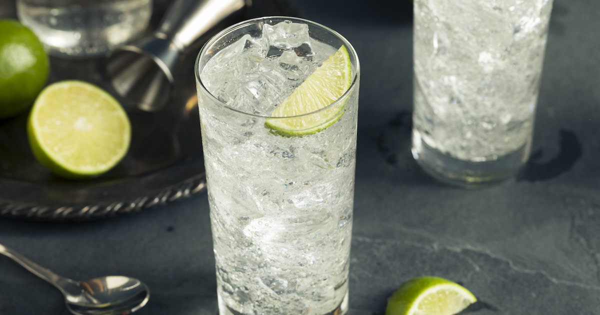 Why the Gin and Tonic Tastes So Good, According to Science